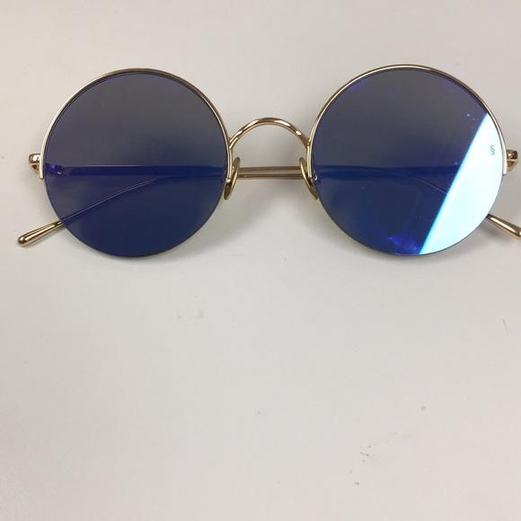5117802876031 Sunday Somewhere Round Mirrored Gold Sunglasses. M 5bf33ec3bb7615f0223cb970